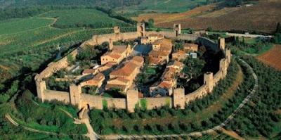 Cosa vedere in Toscana - Siena e provincia - Borgo medievale di Monteriggioni