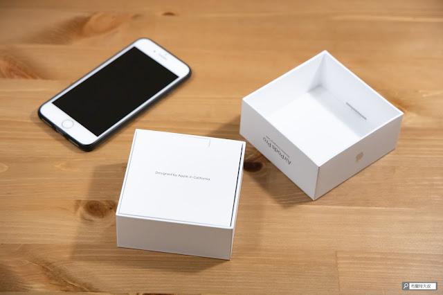 【開箱】輕巧、主動降噪標竿,Apple AirPods Pro 無線藍牙耳機 - 熟悉的蘋果佈局,產品說明書先登場