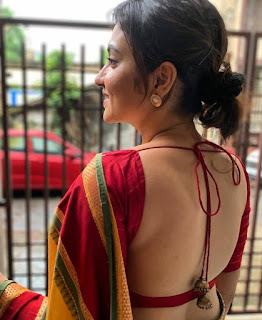 Indian bhabhi in hot backless Navel Queens