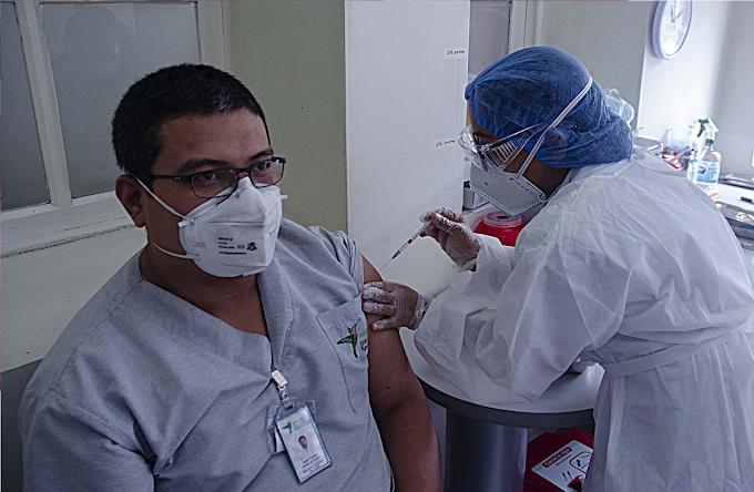 Balance positivo en Medellín: Han sido vacunadas 11.922 personas contra el COVID-19