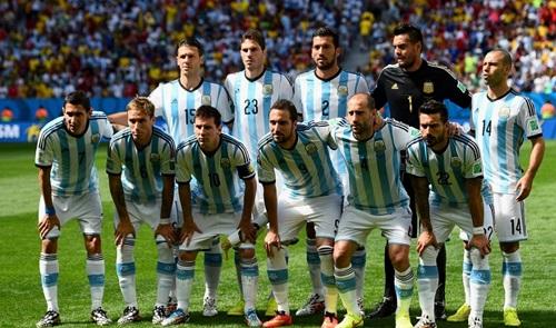 Hai chiếc vé chắn chắn nằm trong tay Argentina và Bồ Đào Nha