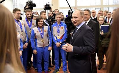 Putin, sportsmen.