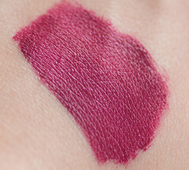 Makeup Revolution: Salvation Velvet Lip Lacquer Rebel свотчи