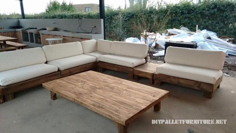 net Espacio para barbacoa amueblado con muebles de palets