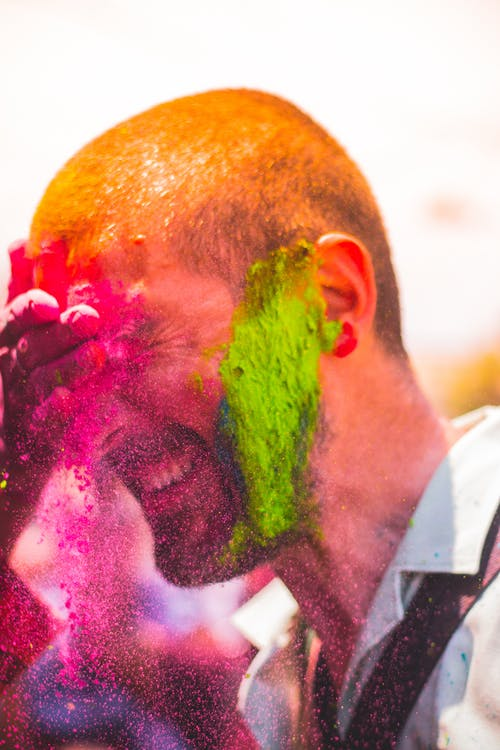 """2. """"Holi is an apt time to celebrate the colours of our beautiful relationship. Happy Holi"""""""
