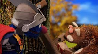 Super Grover 2.0 The Acorn squirrel, Sesame Street Episode 4318 Build a Better Basket season 43