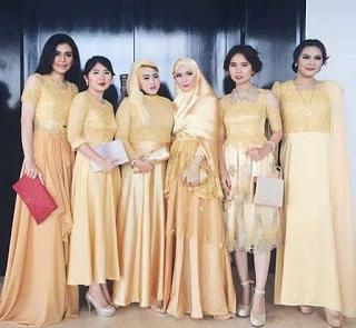 Model Baju Seragam Keluarga Buat Pesta
