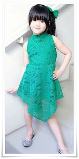5. Baju kebaya anak full brokat dress warna hijau