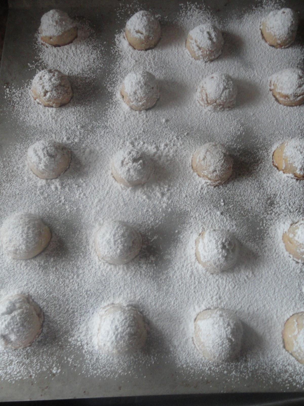 Russian-Tea-Cakes-Or-Mexican-Wedding-Cakes-Coat-Powdered-Sugar.jpg