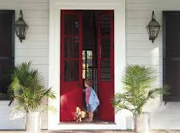 Cat Pintu Kayu merah maroon