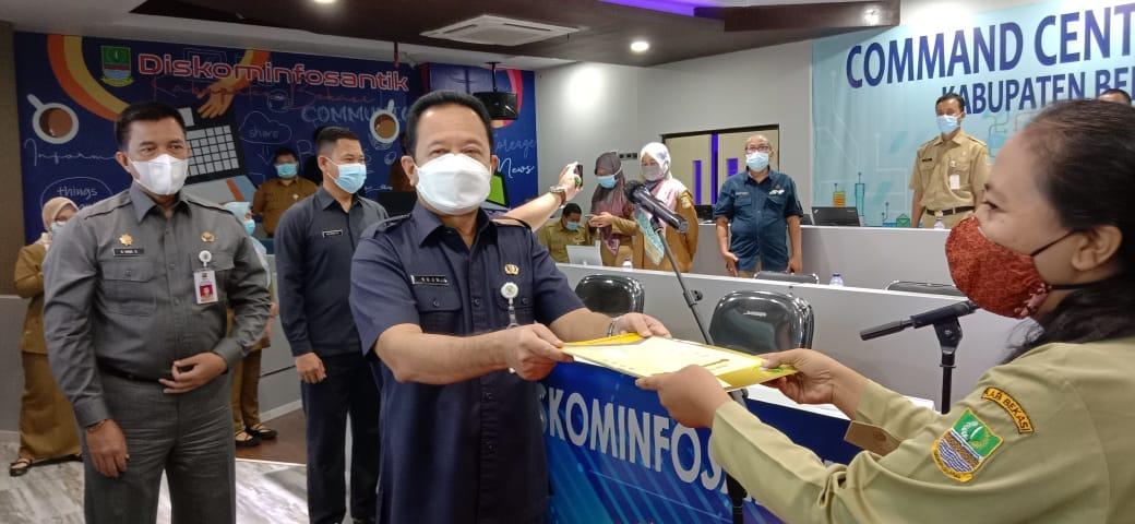 Sekda Kabupaten Bekasi Mengambil Sumpah Janji 277 Pejabat Fungsional