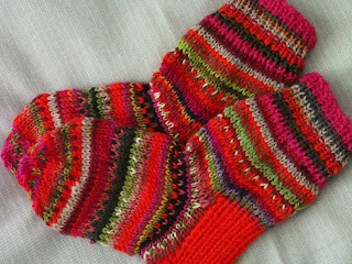 lasten villasukat värikkäät