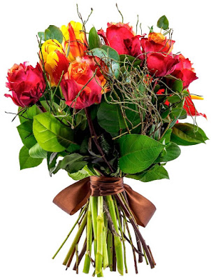 buchet trandafiri bicolori si lalele