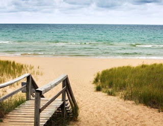 Best Activities on Chicago Beaches Lake Michigan - Thrillist |Lake Michigan Attractions