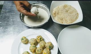 Dipping and coating corn cheese balls for corn cheese balls recipe