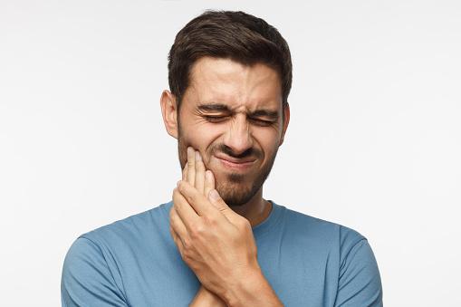 4 Cara Ampuh Atasi Gigi Ngilu