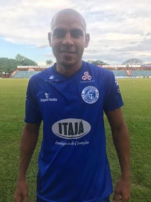 Goianésia contrata meia experiente do futebol carioca