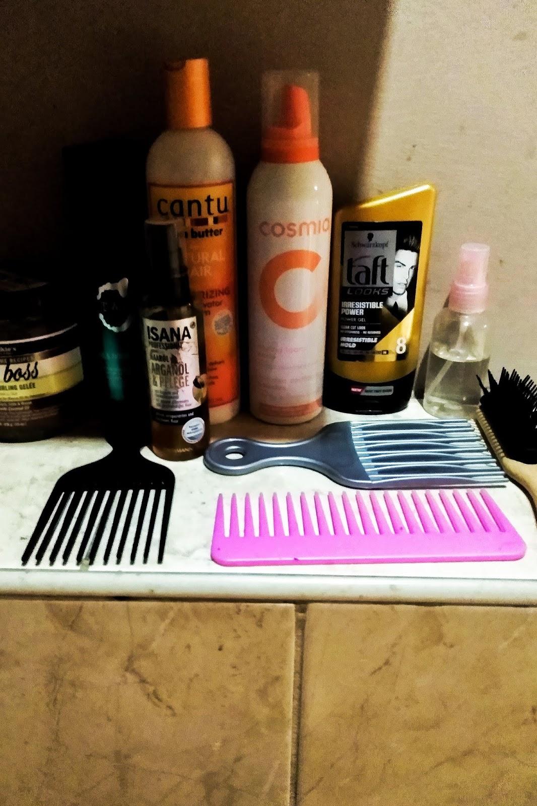 Niezbędnik kręconowłosej. Podstawowe akcesoria do pielęgnacji włosów