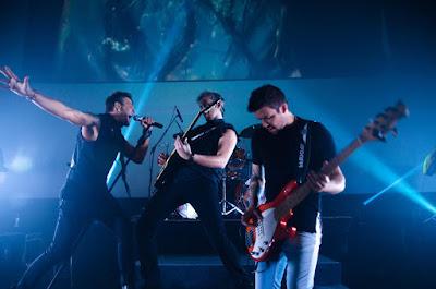 KLB relembra seus sucessos na tela da Band. Crédito: Daniel Irponi