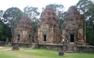 Grupo Roluos, Preah Ko.