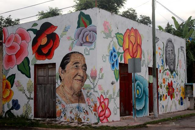 Deslumbran doña Julia y Pastora en murales de Manos Creadoras
