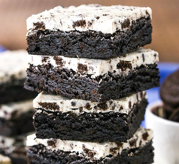 FUDGY COOKIES AND CREAM BROWNIES #desserts #cake