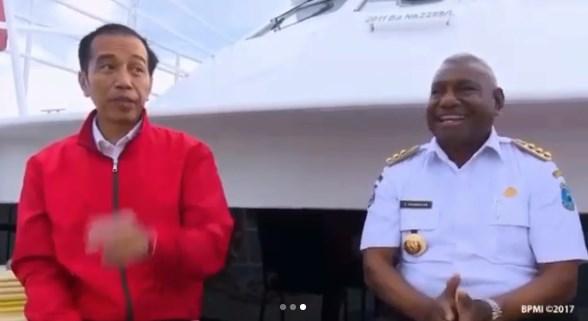 Landasan Pacu Bandara Raja Ampat Akan Diperpanjang, Gubernur Papua Barat Tepuk Tangan