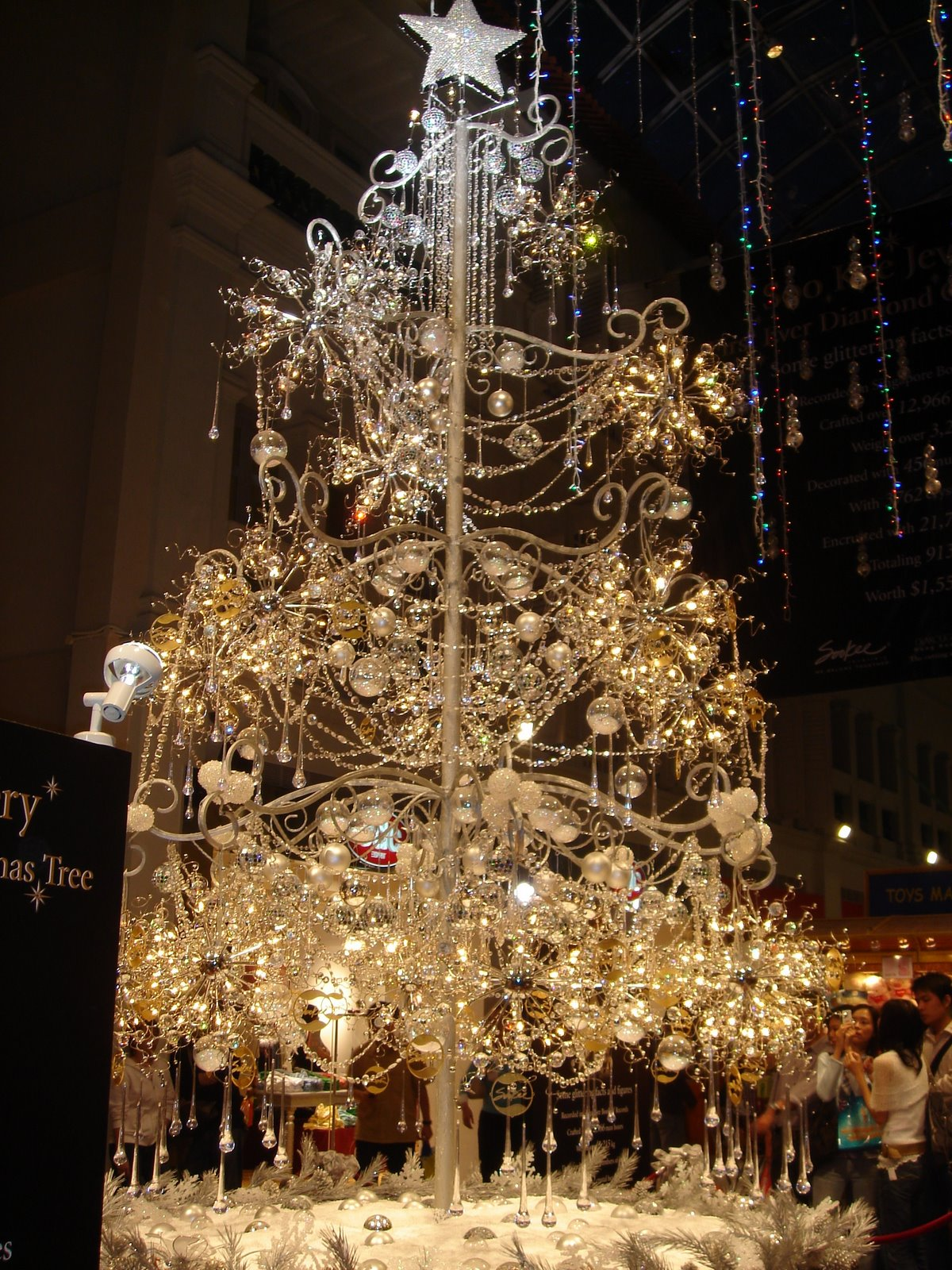 Simply Creative Amazing Christmas Tree