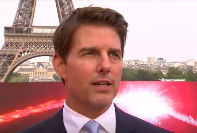 Tom Cruise em ato de protesto devolve seus três prêmios Globo de Ouro