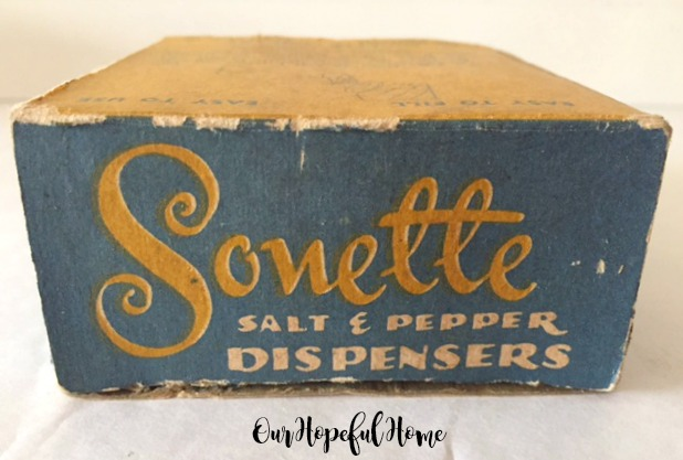Sonette salt pepper shaker dispenser original box