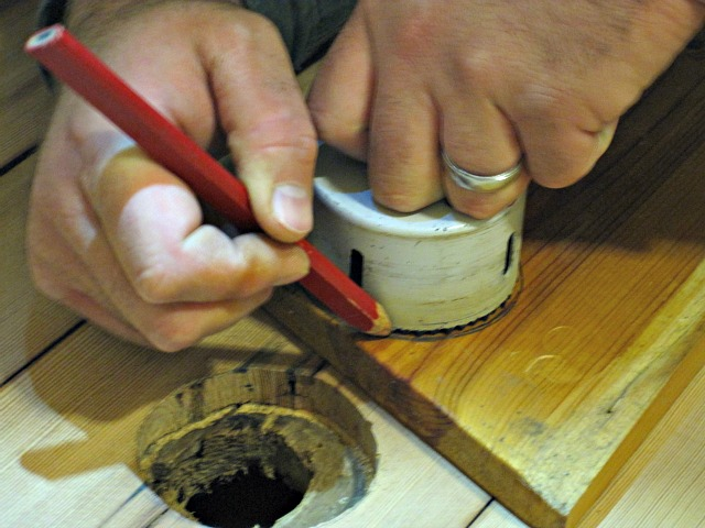Measuring tracing hole pencil wood hardwood DIY