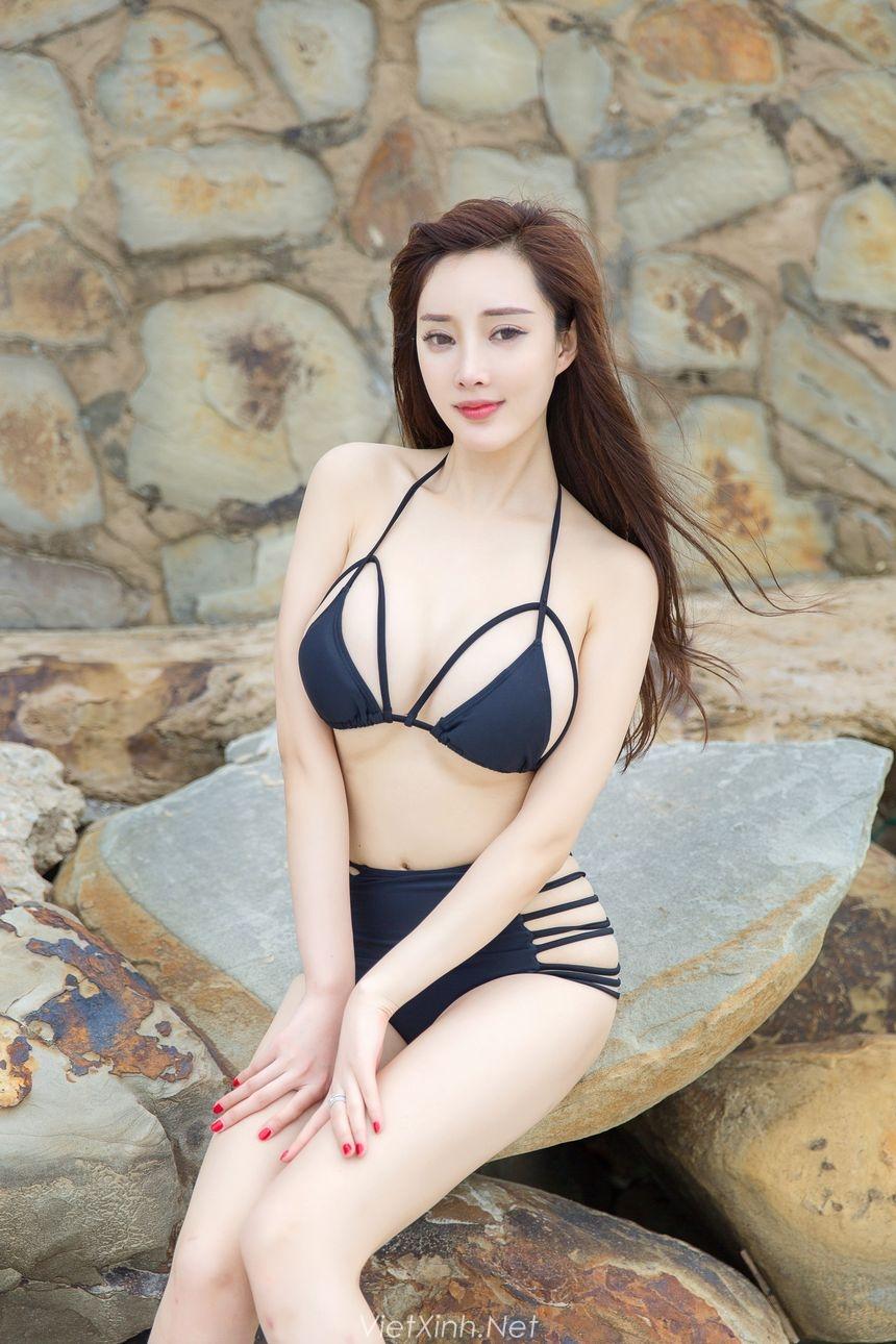 Full bộ ảnh THẢ 100% của nữ sinh Sài Thành vô tư thả rông vòng 1 trên bãi biển