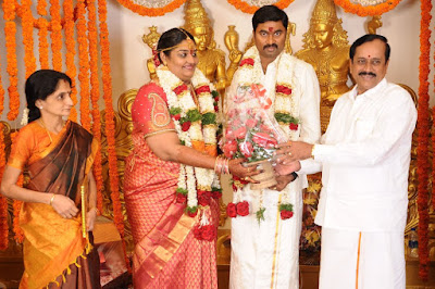 producer_anbalaya_prabhakaran_daughter_wedding_pictures_5e0bf1e