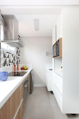 cozinha-pequena-armarios-madeira