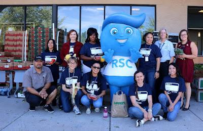 Image of Rio Salado employees volunteering