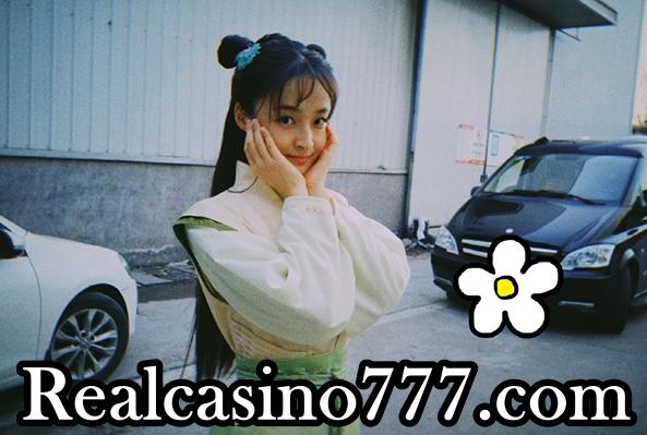 """마이다스카지노-유웨이, 촬영장에 분위기 빛내는 화사한 미모...""""걸그룹 뺨치는 완벽외모""""-마이다스카지노"""