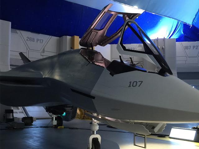 Avion de vânătoare cu tehnologie extraterestră în Independence Day Resurgence