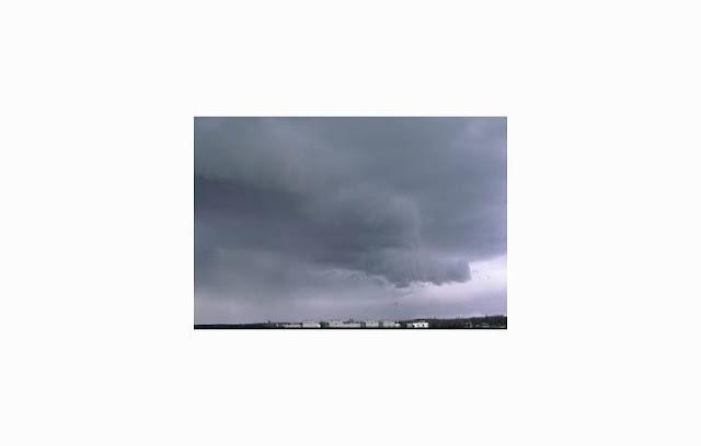 Awan adalah massa terlihat yang terbentuk dari tetesan air atau kristal beku di daerah at Awan : Pengertian, Fungsi, Proses Terbentuk, Jenis