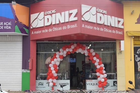 df22a6585dd15 ÓTICAS DINIZ de Pedreiras comemora 10 anos e quem ganha o presente é você