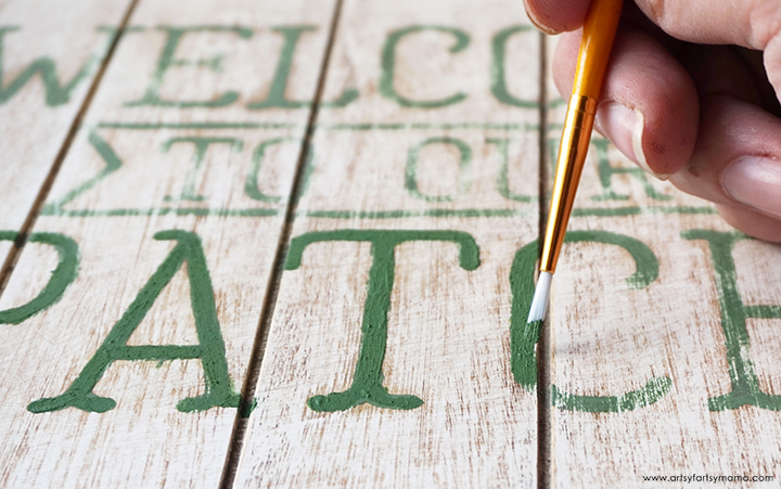 Hand Painting Letters on Wood Sign