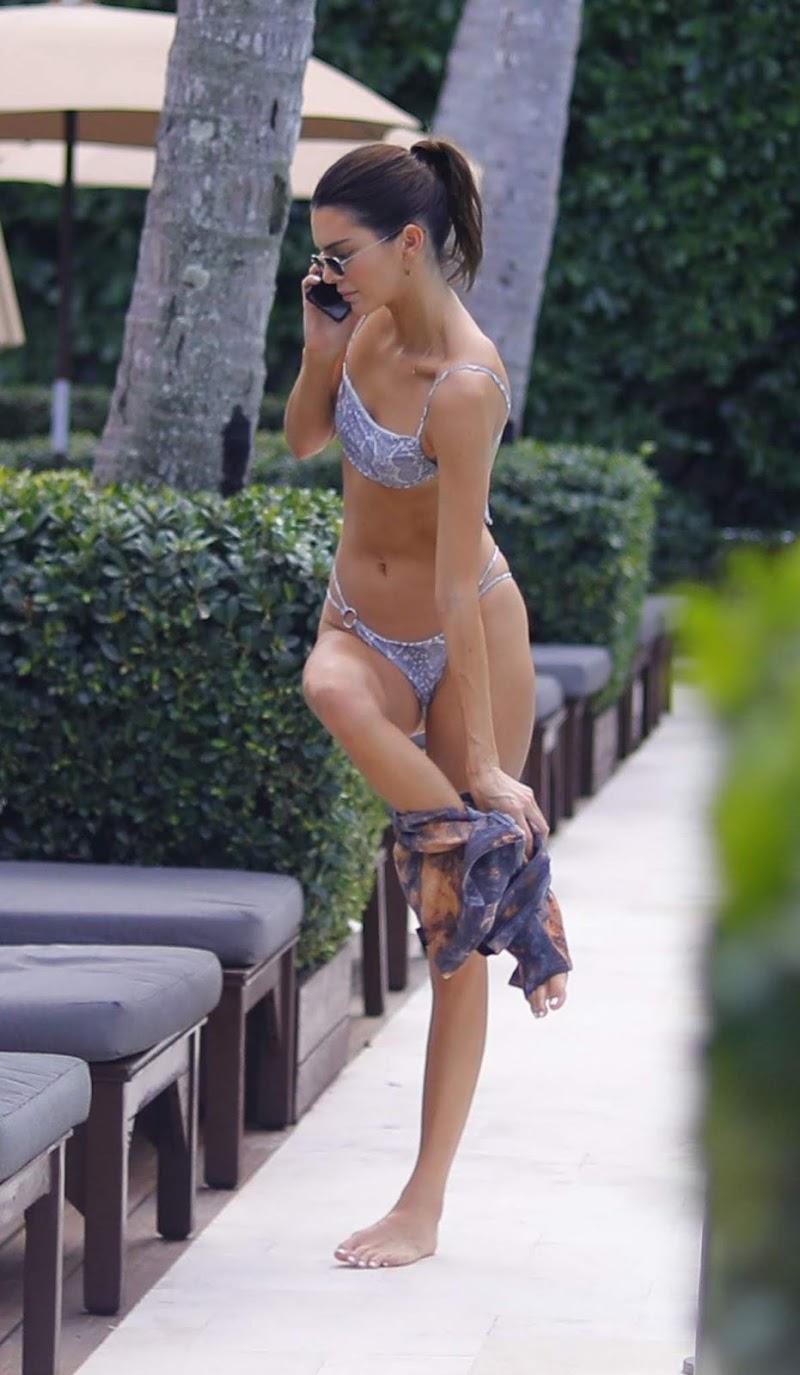 Kendall Jenner Clicked In Bikini at Pool in Miami 4 Dec-2019
