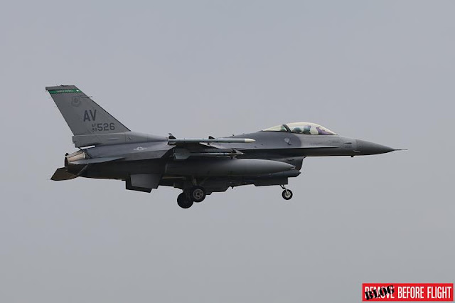 USAF F16 emergency landing Rimini