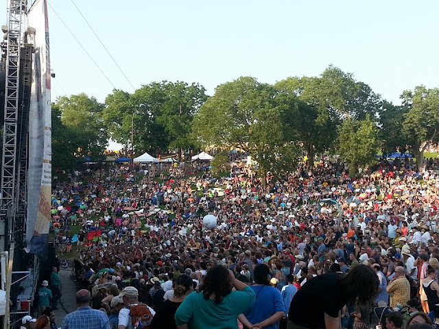 crowd at Sioux City Saturday in the Park Music Festival