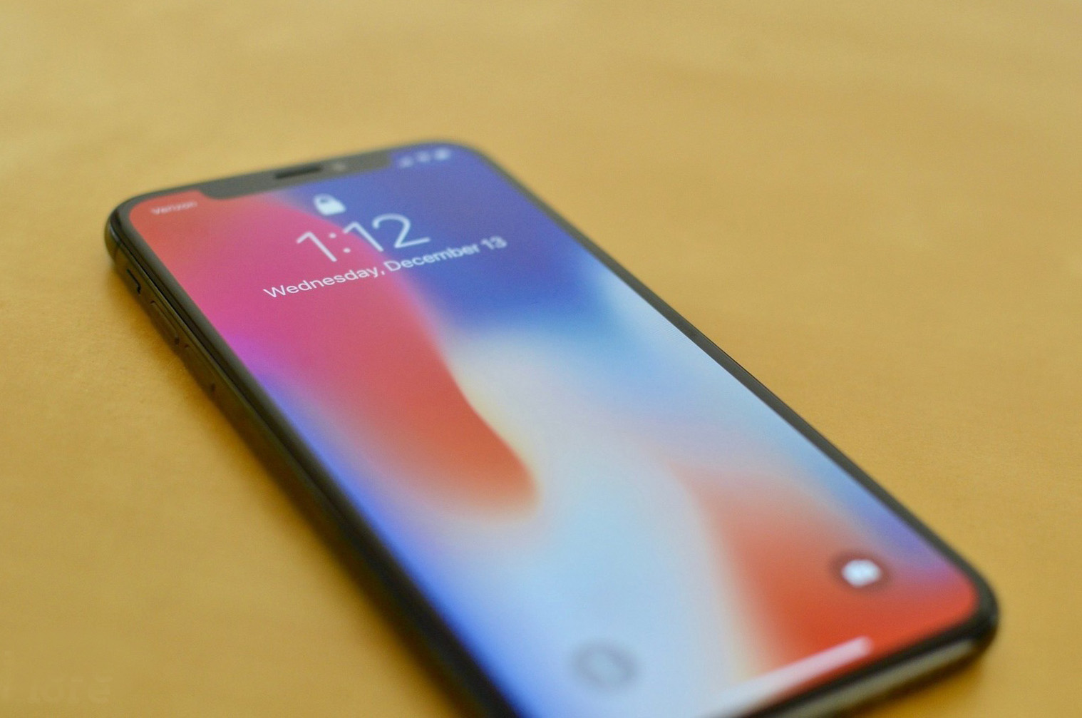 中國 OLED 未達蘋果要求!iPhone 12 續用韓國螢幕