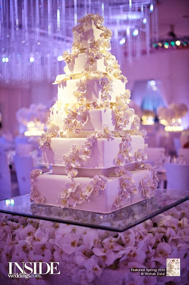 Fabulous wedding cake table ideas using flowers belle the magazine below image credits photographer aaron delesie cake the resort at pelican hill florals nisies enchanted florist via wedding chicks junglespirit
