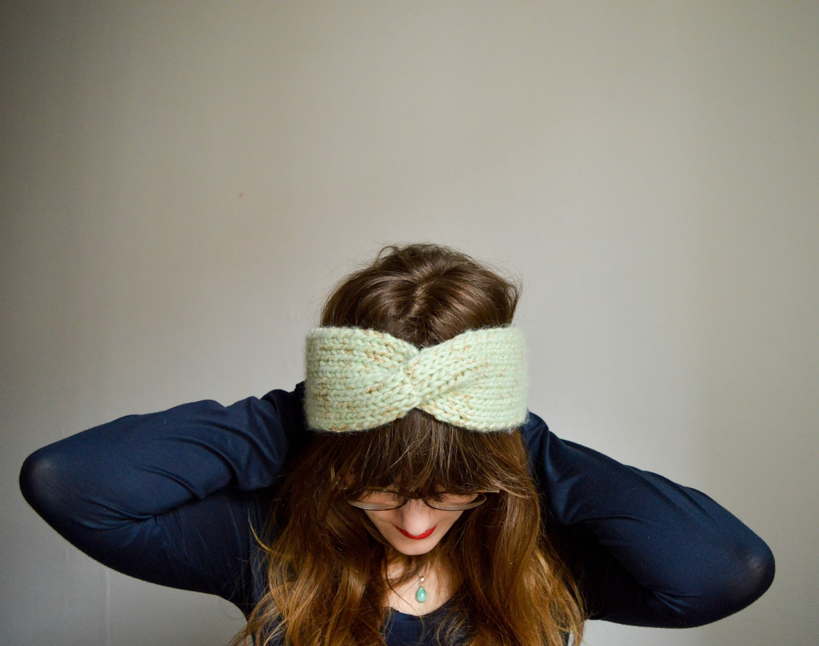 on feet images of offer discounts wholesale dealer Tricot ♥ Le headband à torsade — My Name Is Georges