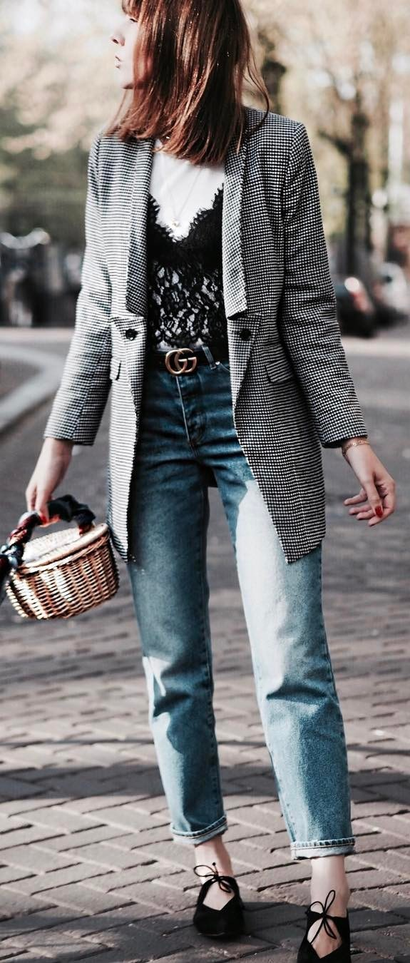 casual style perfection : plaid blazer + lacer top + jeans