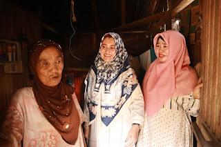 Fatma Idiana Meninjau Langsung Proses Pembangunan Bedah Rumah Warga
