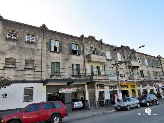 Vista ampla de Antigos residenciais na Avenida Senador Casemiro da Rocha - Vila Mariana - São Paulo