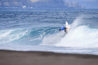 campeonato mundo surf veteranos azores 2018 03 Dave_Macaulay8113Azores18Masurel